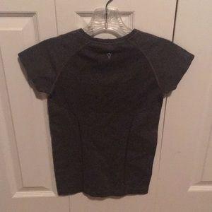 Ivivva Shirts & Tops - Ivivva grey run swiftly t-shirt sz 10 59634